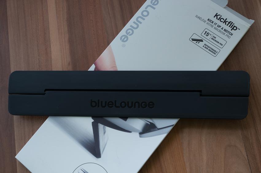 bluelounge-kickflip-macbook-5862