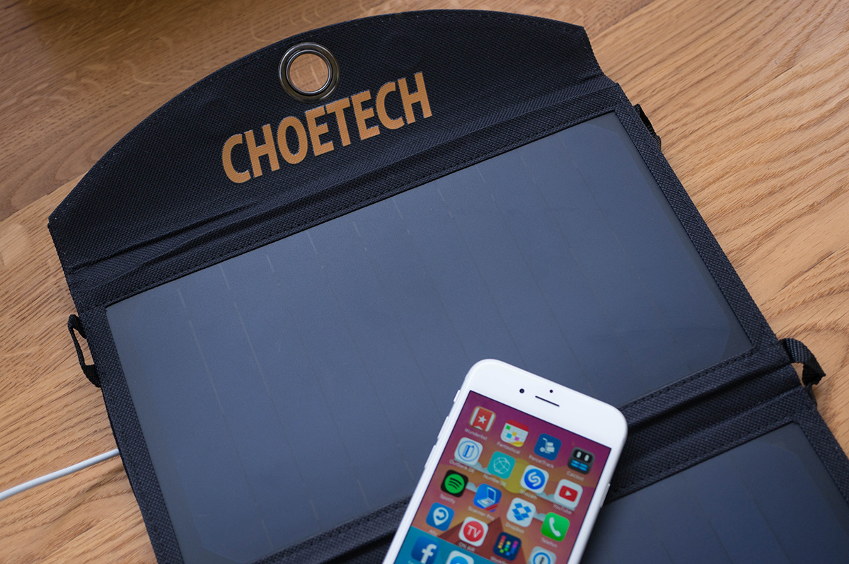 choetech-solar-charger-1