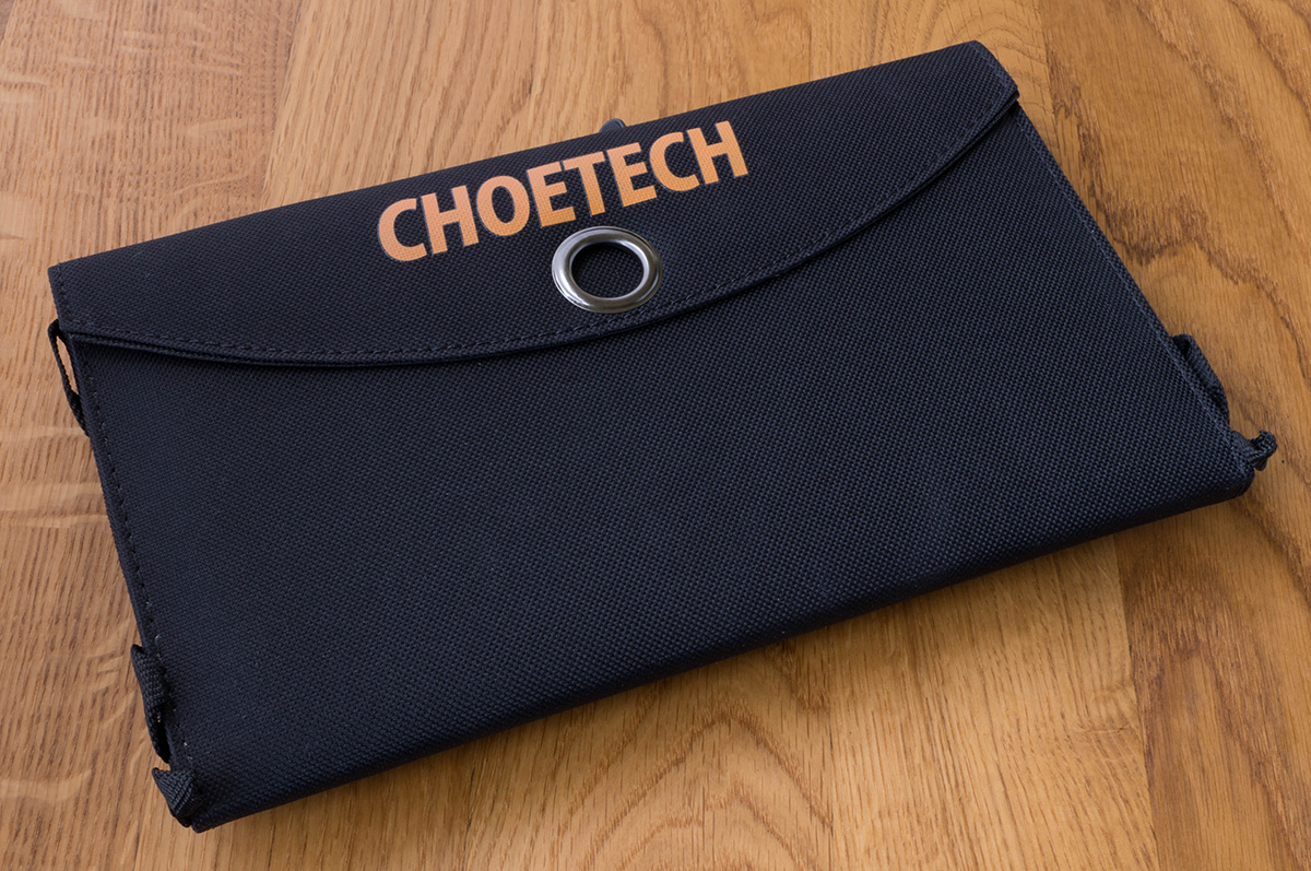 choetech-solar-charger-2