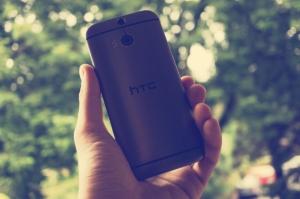 Das HTC One M8 mit DotView-Cover ausprobiert