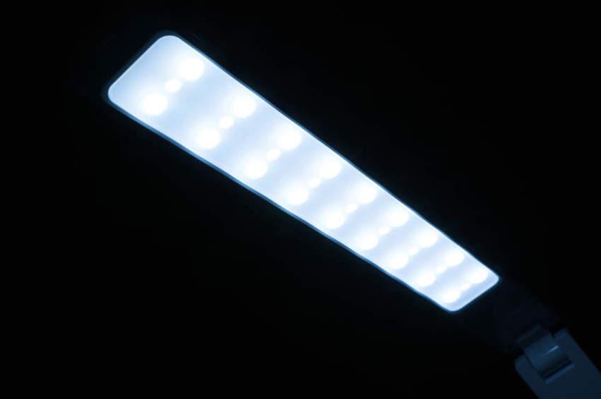 taotronics-tt-dl02-schreibtischlampe-6