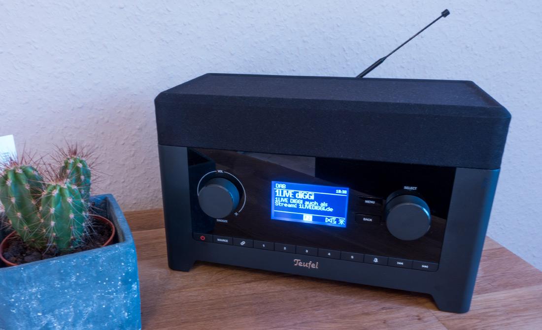 teufel radio 3sixty im test modernes radio mit vielen zuspielm glichkeiten und sattem 360 grad. Black Bedroom Furniture Sets. Home Design Ideas