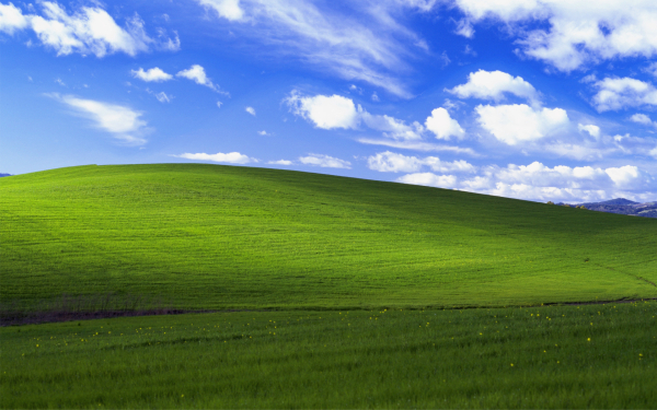 windows-xp-bliss-wallpaper