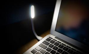 Gadget: Xiaomi Mini-LED-Lampe für den USB-Anschluss einmal kurz beleuchtet
